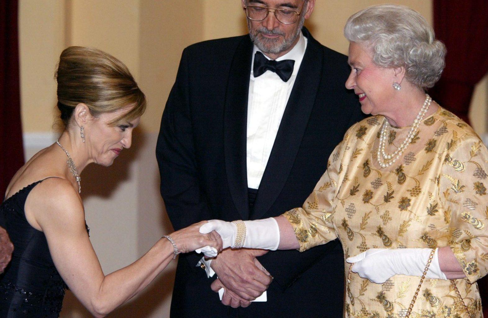 Мадонна и королева Елизавета II