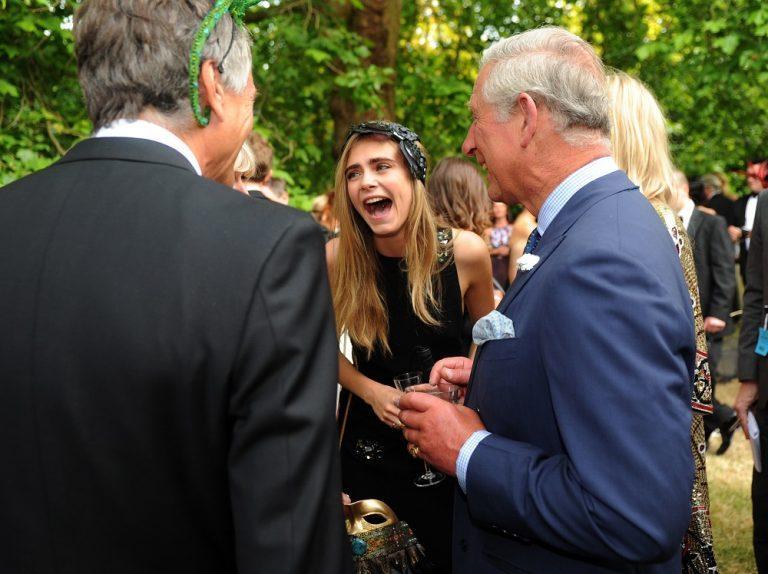Кара Делевинье и принц Чарльз / Anthony Devlin-бассейн WPA / Getty изображения