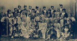 Групповой снимок некоторых гостей бала
