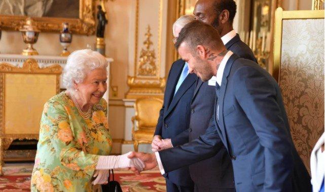 Королева Елизавета и Дэвид Бекхэм