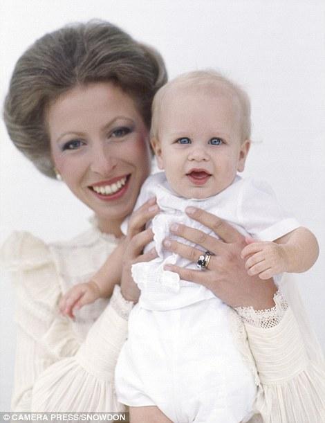 Питер Филлипс со своей матерью принцессой Анной