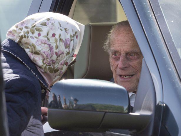 Принц Филипп в своей машине на виндзорское конное шоу на домашнем парке в мае (изображение: британская пресса через Getty)