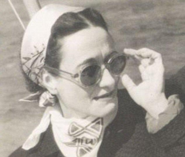 Уоллис Симпсон в солцезащитных очках