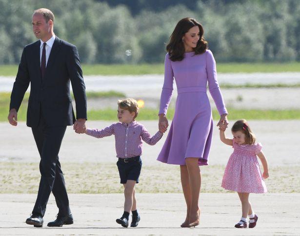 Уильям и Кейт с Джорджем и Шарлоттой в прошлом году (фото: Гетти)