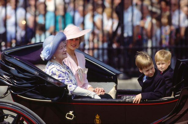 Она оставила имущество на ее дочь Королева, но отложить немного для ее пра-внуков (фото: Тим Грэм фото-библиотеке)