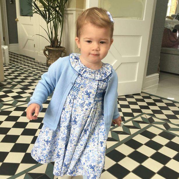 Малышка была принята в агентстве двойников, когда ей было всего 15 месяцев (изображения: Меркурий СМИ)