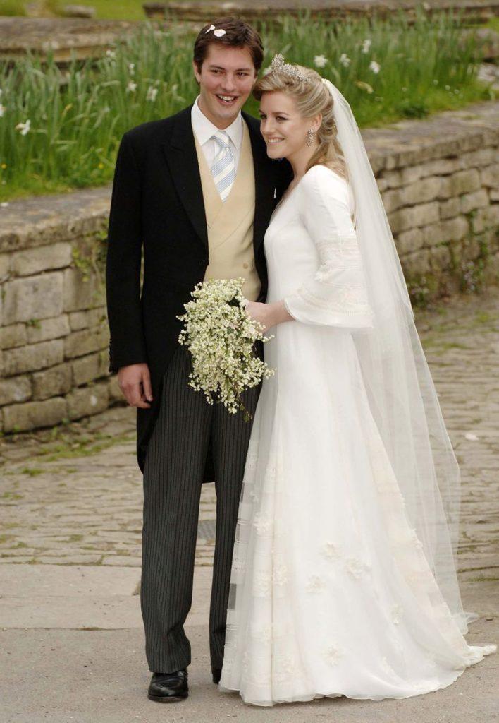 Лаура Паркер Боулз и Гарри Лопес в день своей свадьбы в 2006 году