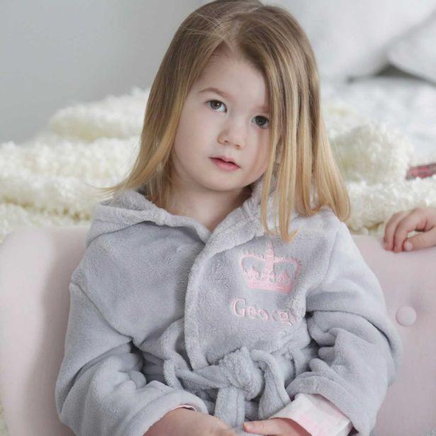 Скарлетт, признанная агентством двойников, двойником принцессы Шарлотты