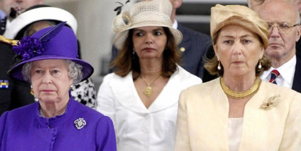 Photo of Королева перенесла инсульт