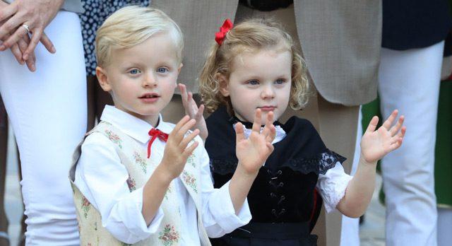 Photo of Очаровательные королевские близнецы Монако крадут шоу