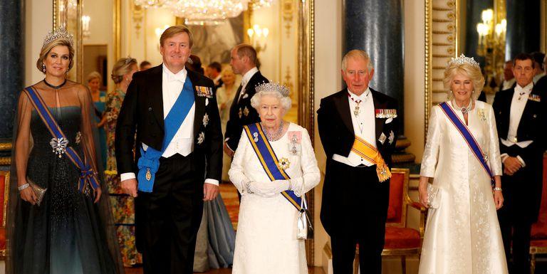 Photo of Диадемы королевских особ на официальном банкете