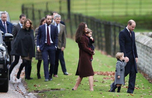 Photo of Джордж и Шарлотта впервые отправятся с родителями в церковь на Рождество