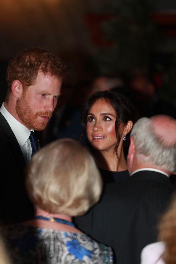 Гарри и Меган прибыли в Сиднейский оперный театр (изображение: Daily Mirror)
