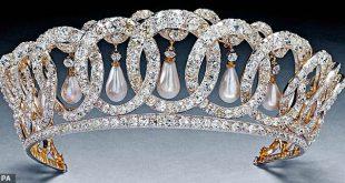 Владимирская тиара (на фото) - одно из любимых сокровищ королевы. Королева Мария купила кусок у принцессы Греции Николая
