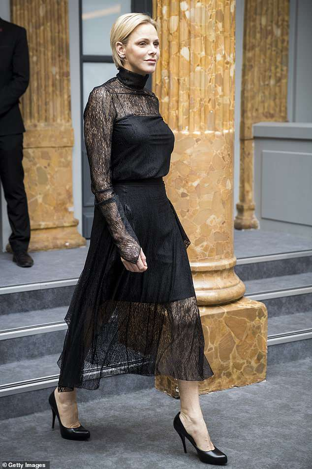 Шарлин на Неделе Моды в Париже