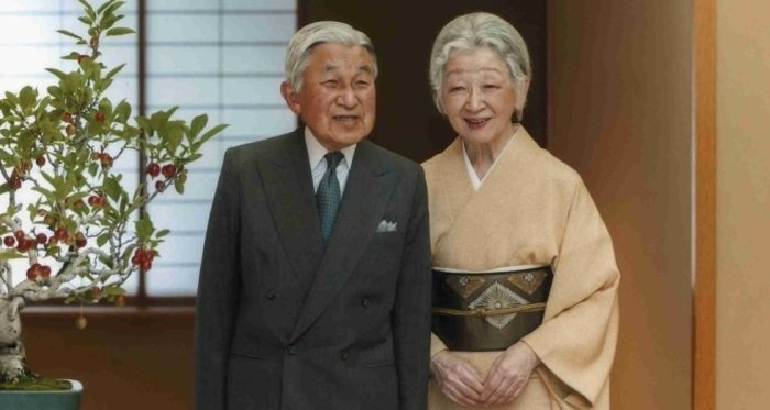 Photo of Император Акихито – Живой Бог, взявший в жёны простолюдинку