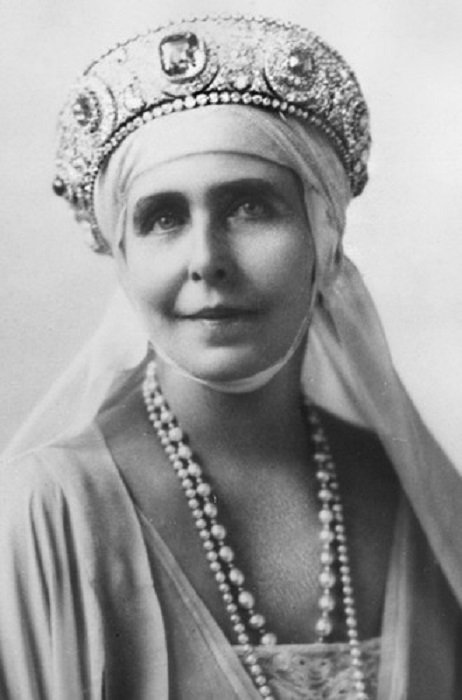 Королева Румынии Мария в сапфировой тиаре