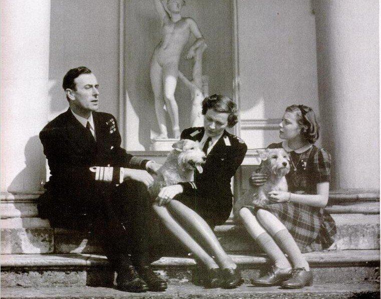 Патрисия со своими знаменитыми родителями