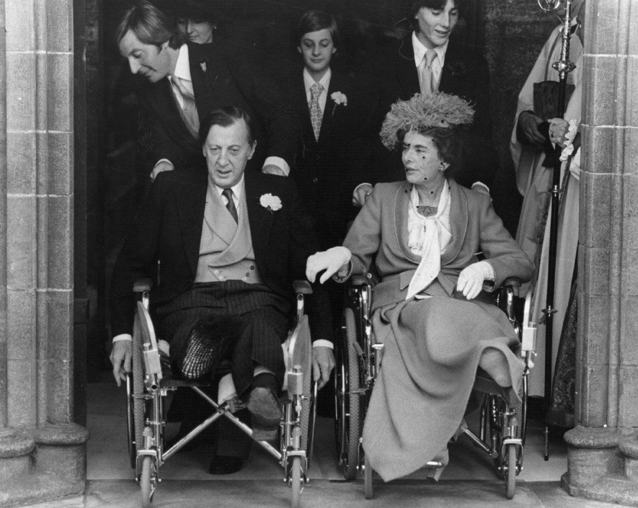 Лорд и Леди Брэбурн на свадьбе сына через две недели после теракта