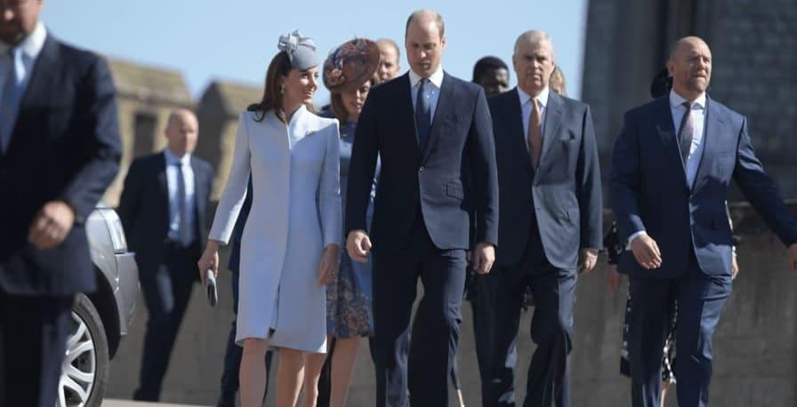 Photo of В Великобритании празднуют Пасху и день рождения королевы Елизаветы