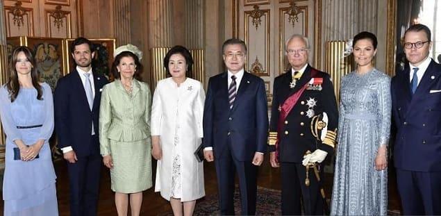 Photo of Шведская королевская семья приняла президента Южной Кореи