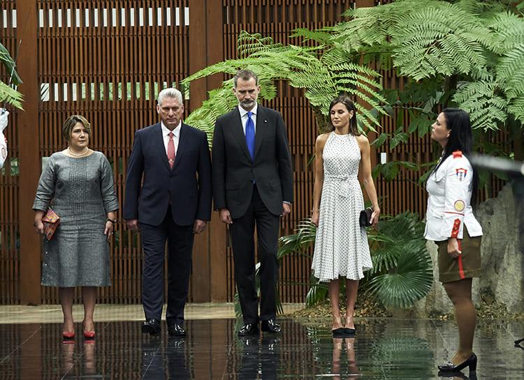Photo of Королева Летиция и король Филипп совершили исторический визит на Кубу