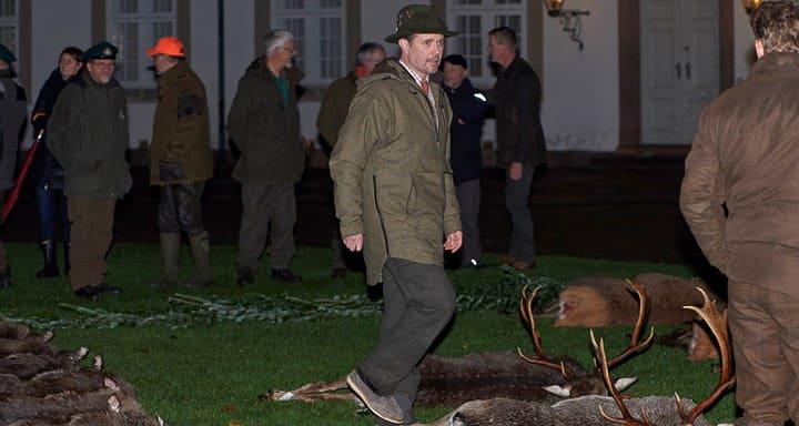Photo of Датская королевская семья вызвала возмущение зоозащитников