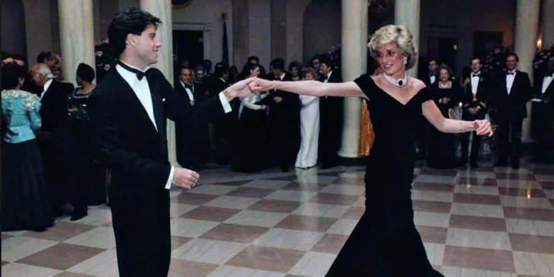 Photo of Платье Принцессы Дианы в котором она танцевала с Траволтой выставят на аукцион