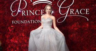 Внебрачная дочь князя Монако побывала на балу в честь своей знаменитой бабушки