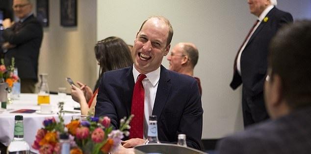 Photo of Принц Уильям признался, что они с детьми неделю пасли ягнят