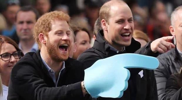 Photo of Как отреагировали Принц Гарри и Принц Уильям на заражение отца коронавирусом