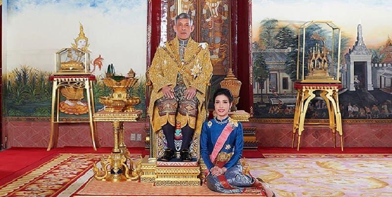 Photo of Почему король Таиланда лишил свою фаворитку Сининат всех титулов и посадил в тюрьму