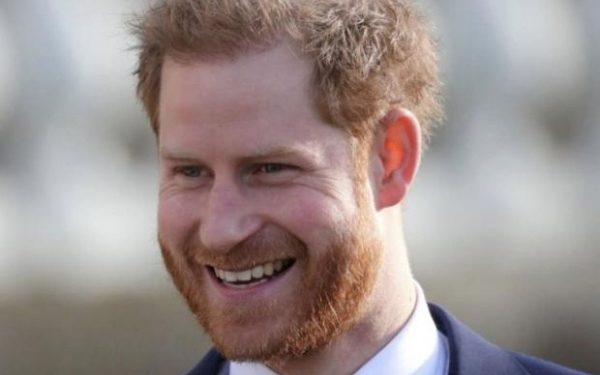 Photo of Принц Гарри пообщался с двумя британскими семьями, ухаживающими за больными детьми