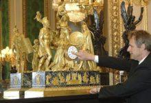 Photo of В королевских домах вручную перевели время на более тысячи часах